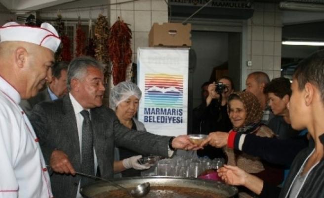 Marmaris Belediyesi 3 Bin Kişiye  Aşure Dağıttı