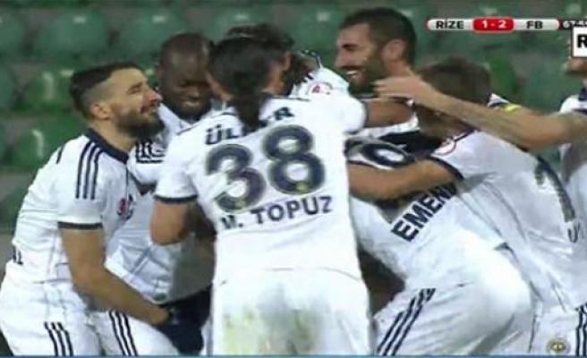 Mehmet Topal'ın olay olan gol sevinci