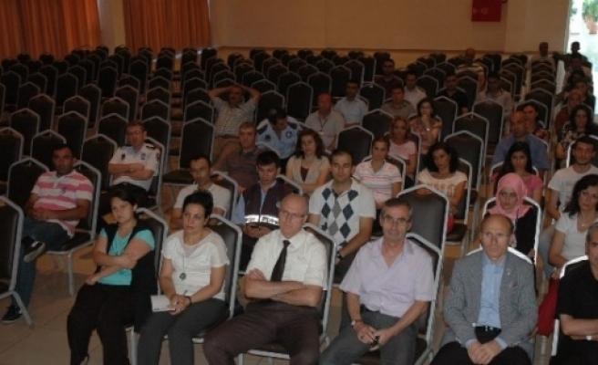"""""""menderes'i Karga Tulumba Taşıyanlar Felç Yaptı"""""""