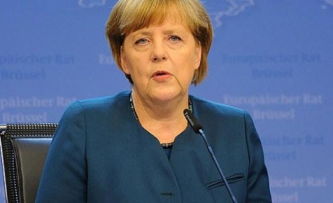 Merkel'den Türkiye'te IŞİD sitemi