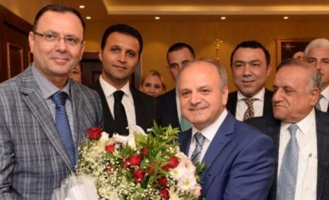 Mersin Valisi Çakacak'a Ziyaretçi Akını Sürüyor