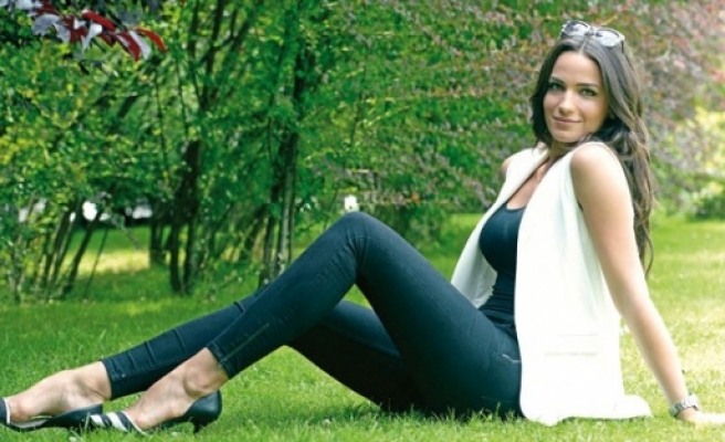 Miss Turkey 2012 birincisi sunucu oldu