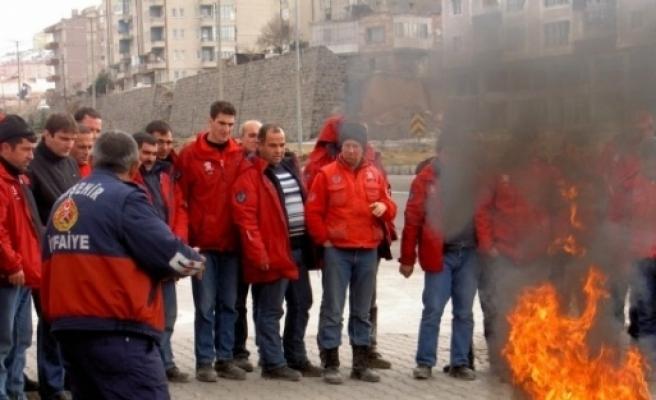 Nevşehir Belediyesi İtfaiyesi Geçen Yıl 93 Yangına Müdahale Etti