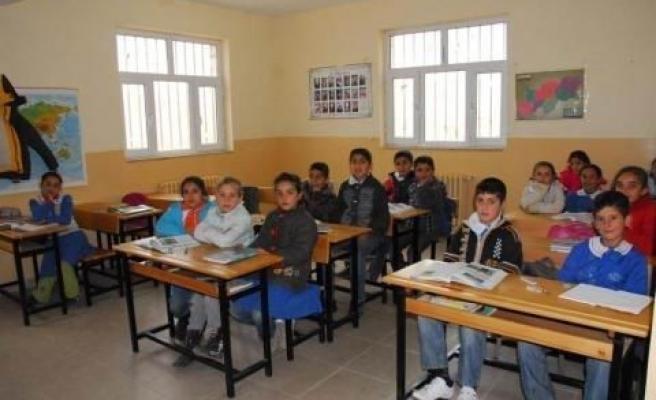 Ninova Park'tan Köy Okuluna Yardım