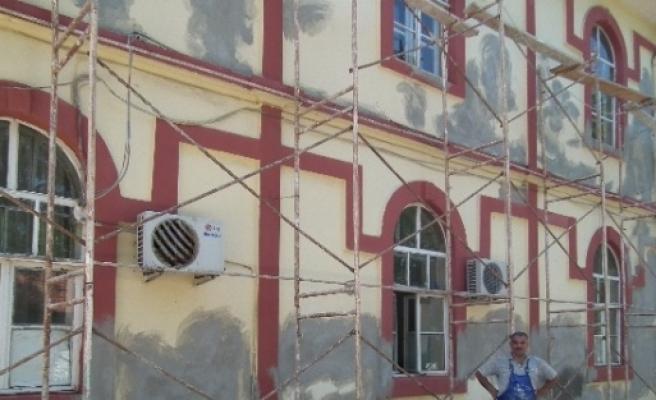 Nkü Muratlı Myo Binasına Bakım Yapılıyor