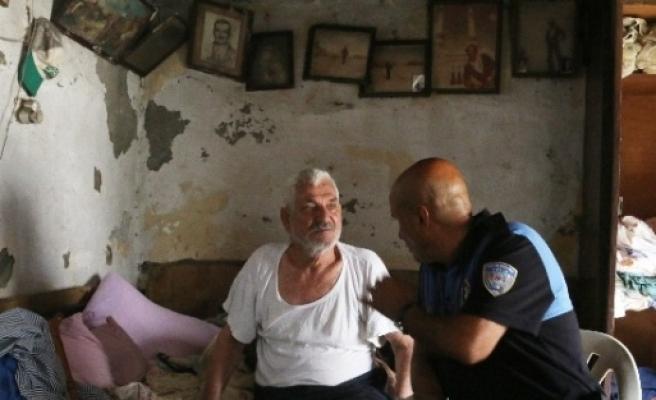 Oğlu Bodrum'da Babası Huzurevinde