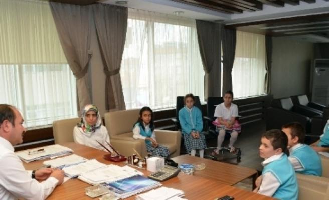 Öğrencilerden Başkan Eyvaz'a Ziyaret
