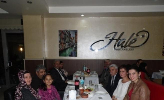 Osman Önal Okul Aile Birliği, Öğretmenleri Yemekte Buluşturdu
