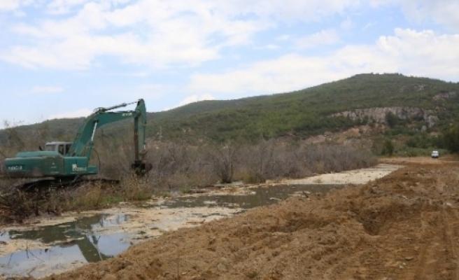 Pamucak'ta, Çevre Düzenleme Çalişmalari Başladı