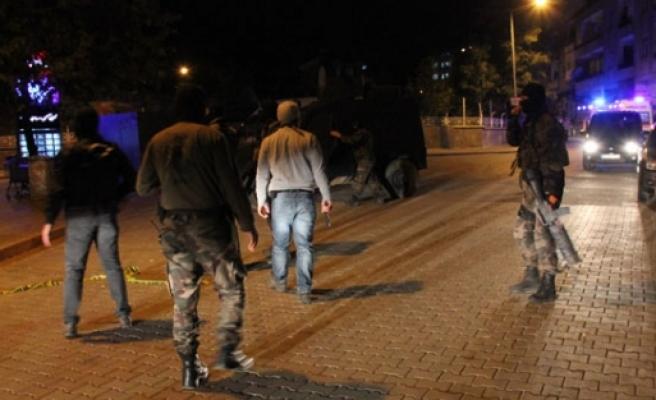 Polislere pusu kuran 5 kişi öldürüldü