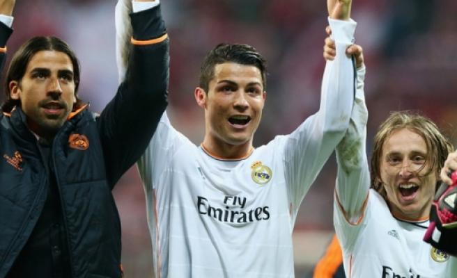 Real Madrid yıldız oyuncunun biletini kesti