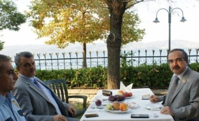 Sakarya Valisi Hüseyin Avni Coş, Sapanca Gölü'nün Son Durumunu Değerlendirdi