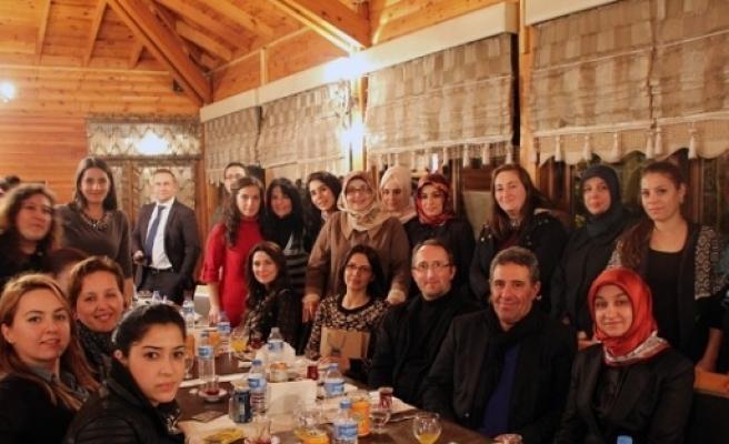 Sgm'li Eğitimcilerin Öğretmenler Günü Kutlandı