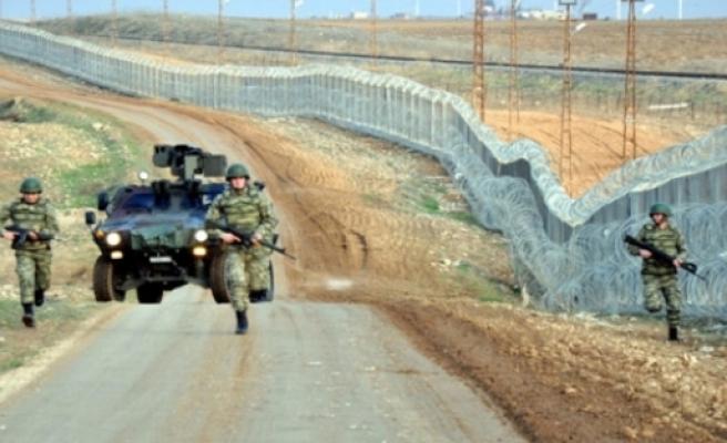 Sınır gezisi karakolda bitti