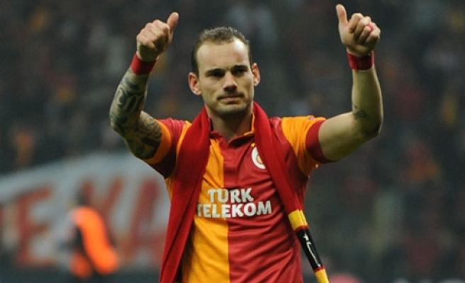 Sneijder ''Galatasaray'dan alacaklı olduğum...''