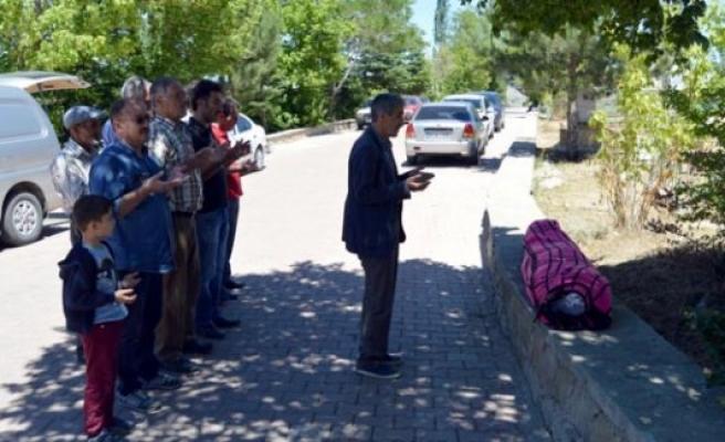 'Tabutsuz' cenaze namazı