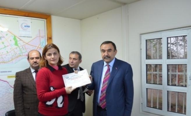 Tekirdağ'da 'afete Hazır Okul' Projesinde Görev Alan Öğretmenler Sertifikalarını Aldı