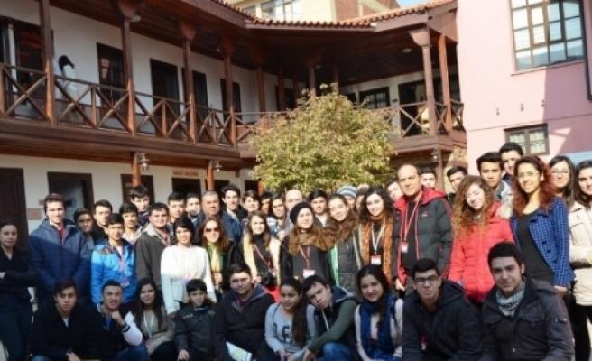 Turistler, Öykam Müzesine Hayran Kalıyor
