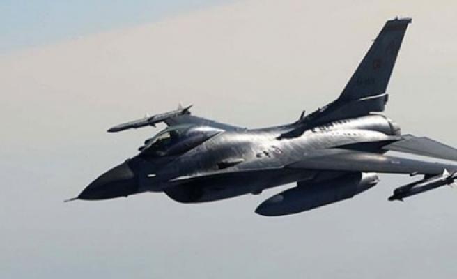 Türk F-16'sına radarlı taciz