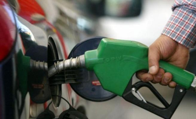 Türkiye benzin vergisinde zirveye oynuyor
