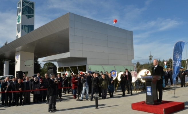 Uludağ Üniversitesi'nin kapısı törenle açıldı