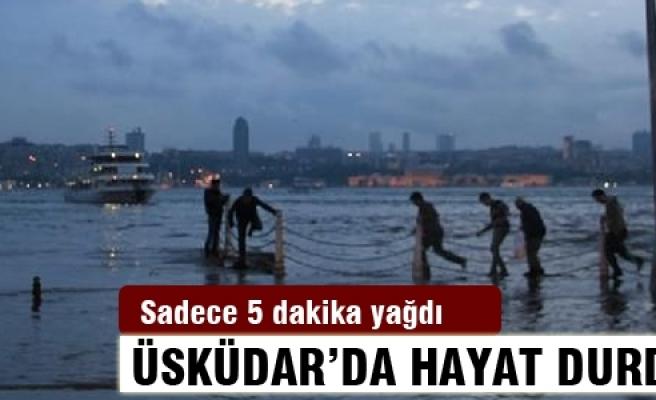 """Üsküdar'da yine """"Tsunami"""" manzarası"""