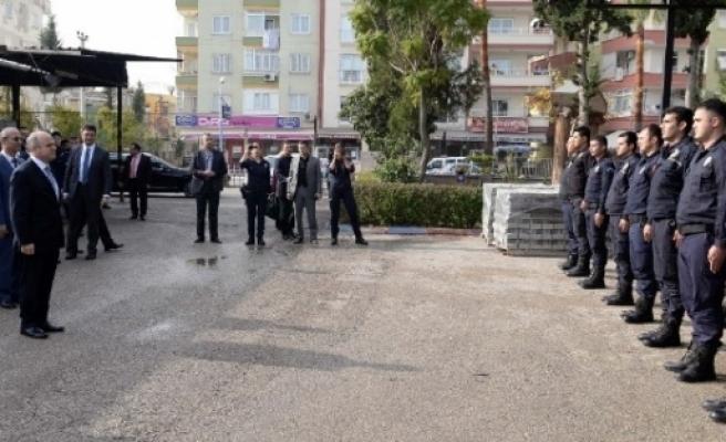 Vali Çakacak'tan Çevik Kuvvet Şube Müdürlüğü'ne Ziyaret