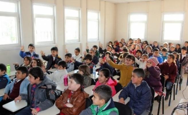 Van Büyükşehir Belediyesi'nden Öğrencilere Trafik Eğitimi