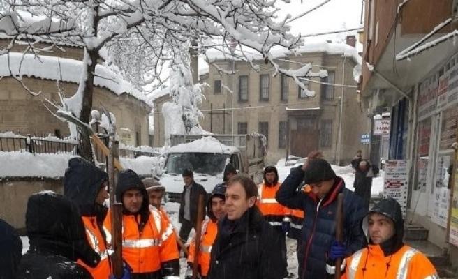Vural Kavuncu: Belediye Ve İl Özel İdaresi Çalişanlarina Teşekkür Ediyorum