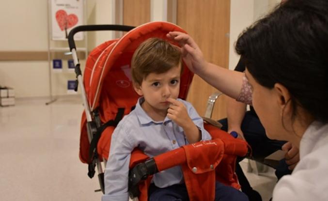 3 yaşındaki Mehmet'e annesinin ciğeri hayat verdi