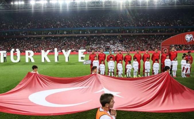 Türkiye liderlik için sahada