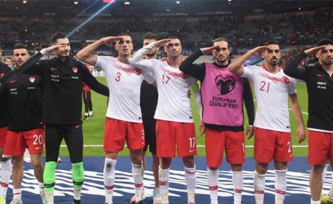 UEFA, Fransa Türkiye maçıyla ilgili soruşturma başlattı! Asker selamı...