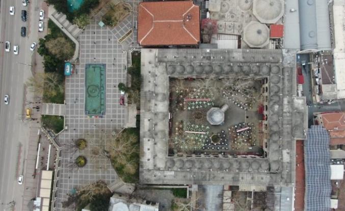 Bursa sokakları bomboş, camiler ve tarihi çarşılar kapalı