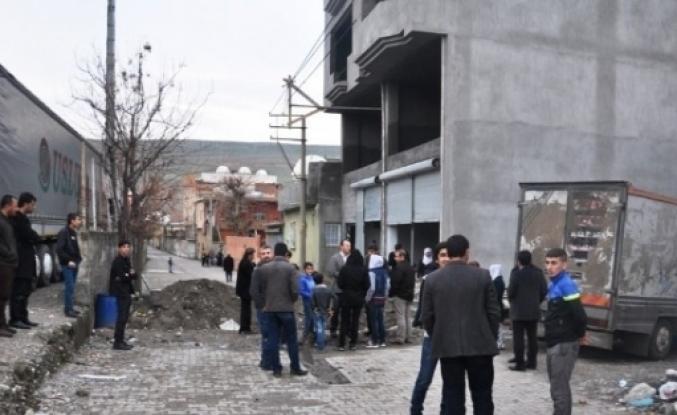 CİZRE'DEKİ HENDEKLER KAPATILMAYA BAŞLANDI