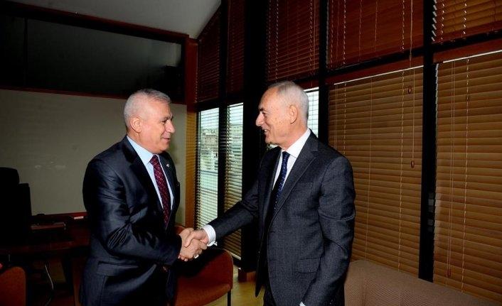 Bozbey'den eski belediye başkanlarına ziyaret