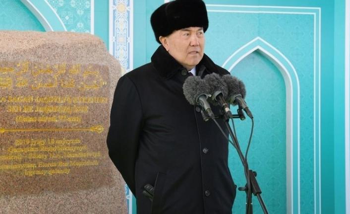 Nazarbayev görevinden istifa etti!