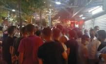 150 kişi dolandırıcılık iddiasıyla kuyumcuyu bastı