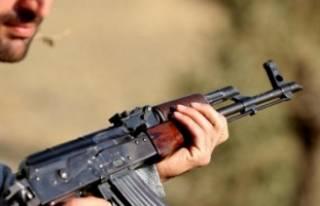 Diyarbakır'da çatışma! Ateş açarak kaçmaya...