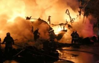 Bursa'da tüpçü dükkanında patlama!