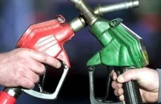 Araç sahiplerine müjde! Benzin ve motorine bir indirim...