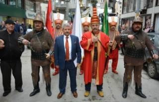 Bursa'da muhtar adayından mehter takımı ile...