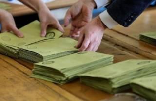 AK Parti'den flaş açıklama: YSK iddialarımızı...