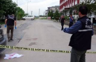 Bursa'da aracıyla seyir halindeyken silahlı...