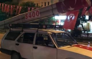 Bursa'da aracın üzerinde S 400 maketini görenler...