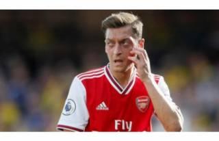 Arsenal'den Mesut Özil açıklaması!
