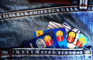 Kredi kartı komisyonuna yeni düzenleme! 1.60'ı...