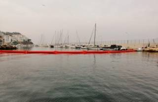 Marmara'da kirlilik alarmı...Liman trafiğe...