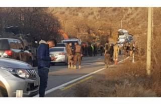Operasyondan dönen askerleri taşıyan zırhlı araç...