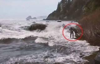 Bir saniye sonrası korkunç! Deniz bir anda kabardı...