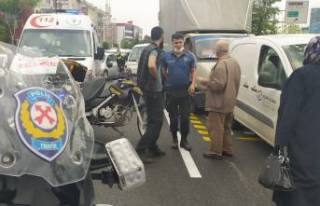 Bursa'da trafiği kitleyen kaza! Kadın yola...